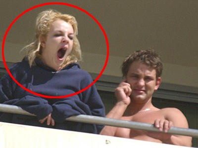 Britney Spears Baille comme un Hamster